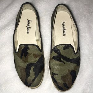 Neiman Marcus Fanny loafer size 6 -camo faux hair